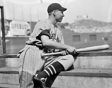 HALL OF FAMER BOB FELLER WAIT TO BAT EVEN PITCHERS LOVE TO HIT 8x10 INDIANS