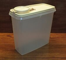 Tupperware 13 C. Cereal Storage Keeper 469 Opaque White Pour N Store & Lid 470-5