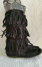 Minnetonka moccasins womens black triple 3 layer fringe boots sz 7 suede hippie