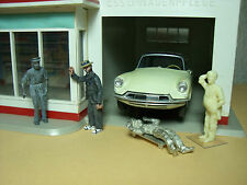 4  FIGURINES  1/43   SET 199  AU  GARAGE  ESSO   VROOM  A  PEINDRE   UNPAINTED