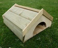 Tortoise/Guinea Pig/Hedgehog/Ferret/Small animal houseREMOVABLE FLOOR wood roof