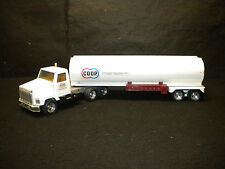 Ertl Coop Tractor Trailer Tanker Farmland Industries, Inc Kansas City Missouri
