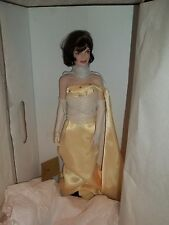 FRANKLIN MINT 17 inch   PORCELAIN  Jackie Kennedy Doll