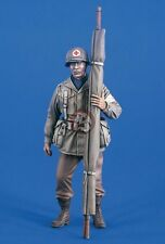 Verlinden 120mm (1/16) US Army Medic Standing with Rolled-up Stretcher WWII 2181