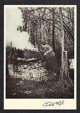 ATELIER , ARTISAN REMPAILLEUR de CHAISE Teinture de paille en 1989 / FAGE 89.174