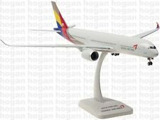 10307 Asiana Airlines AIRBUS A350-900 Hogan Wings 1:200 plastic model
