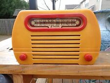 Fada temple model 652 with red trim catalin radio perfect condition!