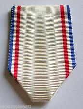Ruban NEUF plié, pour la médaille de la reconnaissance française.
