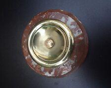 Ancien  interrupteur  de sonnette extérieure en laiton sur socle en marbre rose