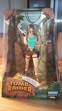 "Playmates 1999 Tomb Raider 8"" Action Figure Lara Croft in Jungle Outfit - NEW"