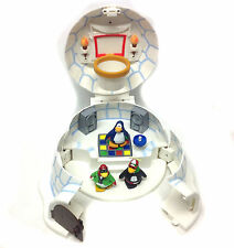 WALT DISNEY PIXAR CARTOON CLUB PENGUIN Igloo palyset & figura job lot COOL!