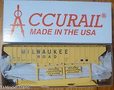 Accurail HO #6517 (Rd #101563) Milwaukee Road (Pullman Std. Cov. Hopper Kit)