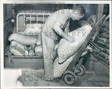 1958 Delivery Man at Dallas TX Feed Mill Loads Truck Press Photo