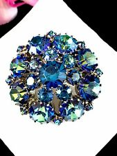 SPARKLING SIGNED WEISS GOLD-TONE SAPPHIRE AB RHINESTONE TIERED ROUND BROOCH PIN