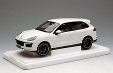 NEW 1/18 Minichamps Porsche SUV Cayenne Turbo S diecast Model Open close white