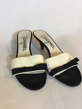 Chanel Kitten Heels Black Fabric White Leather Vintage 36.5 36 1/2 Italy 5.5