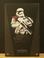 Hot Toys - Star Wars TFA Stormtrooper Officer (In Stock)