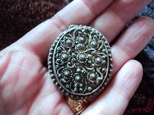 LARGE ANTIQUE / VINTAGE STERLING SILVER OVAL FILIGREE  PHOTO BACK PENDANT (FG)