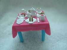FISHER PRICE Sweet Streets KITCHEN DINING TABLE Dollhouse Hotel Tea Table