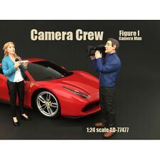 CAMERA CREW FIGURE I CAMERA MAN FOR 1:24 SCALE MODELS BY AMERICAN DIORAMA 77477