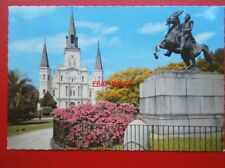 POSTCARD USA NEW ORLEANS JACKSON SQUARE - ST LOUIS CATHEDRAL & JACKSON MONUMENT