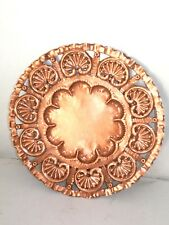 Piatto decorativo da appendere con ROSONE  in rame 40 cm realizzato a mano