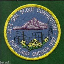 VINTAGE GIRL SCOUT PATCH - 44th GIRL SCOUT CONVENTION - PORTLAND. OR - 1987