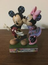 """Jim Shore Disney Traditions Mickey And Minnie """"A Kiss From Me To You"""" Figurine."""