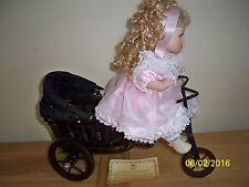 Coleccionable Porcelana Muñeca Con Triciclo Cochecito de bebé Leonardo-llamado Carla