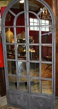 Glace / miroir fenêtre cintrée en fer forgé patiné gris