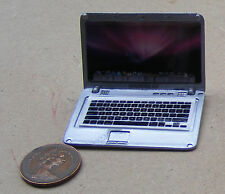 1:12 Metallo Argento Casa Bambole Miniatura APPLE MAC BOOK AIR Computer Laptop