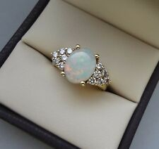 LOVELY 18K YELLOW GOLD OPAL CABOCHON RING W/ DIAMONDS - 6.5 GRAMS