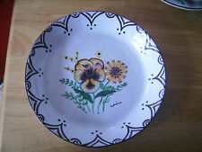 Assiette décorative creuse Atelier René Renaud à motif floral