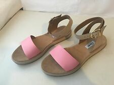 CLARKS ROMANTIC MOON GENUINE LEATHER LOW WOMENS SIZE  5.5 D GLADIATOR SANDALS