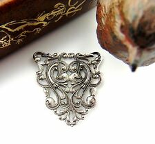 SILVER Crest Filigree Stamping ~ Antique Silver Finding (CB-3041)