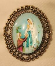 Pretty Swirled Rim Our Lady of Lourdes Grotto Glass Cameo Brasstone Medal Brooch