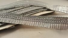 *Attractive silver woven sequenced pleated fringe lace 4 crafting edging art 1M