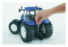 Bruder Toys 03020 ProSeries NEW HOLLAND TG285 T8040 Tractor Toy Model LARGE 1:16