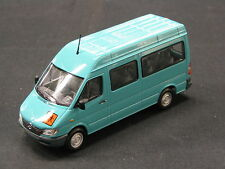 Minichamps Mercedes-Benz Sprinter Break 1:43 Turquoise (JS)