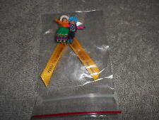 HAND MADE - PIN BACK FIGURES - WITH RIBBON  PERU TE AGRADECE  / YELLOW RIBBON
