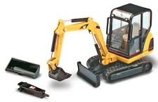 NORSCOT - 55085 NEW CAT 302.5 MINI HYDRAULIC EXCAVATOR 1:32 Scale Diecast