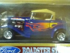1:18 SCALE ROADLEGENDS 1932 FORD ROADSTER STREET ROD C-7