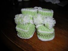 girls/boys hand knitted booties,0-3 months.