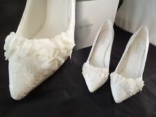 NIB Menbur Lucia IVORY Lace Flower Pointed Heels sz 6 US EUR 36 Gorgeous READ