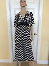 CALESSA black and white chevy striped stretchy dress size S New $79