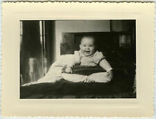 PHOTO ANCIENNE - ENFANT BÉBÉ RIRE - CHILD BABY LAUGHING FUNNY - Vintage Snapshot