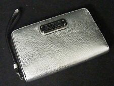 NWT MARC By Marc Jacobs Wingman Wallet/Wristlet. Silver Exterior/Black Interior