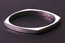 EYE-CATCHING MINIMALIST SILVER TONE SQUARE BANGLE CHIC TIMELESS PIECE (ZX21)