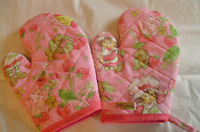 Children's STRAWBERRY SHORTCAKE Oven Mitts, Handmade,,Quilted,Lined,100% Cotton