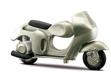 Vespa 125 Circuito 1950 - Green Metal By Maisto 1:18 SCALE  SUPER BIKE refboxz31